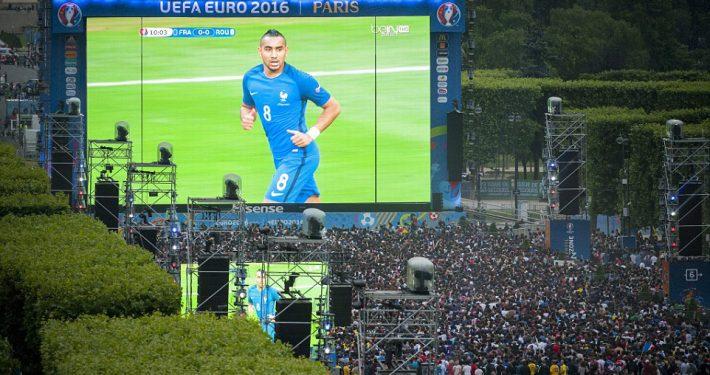 UEFA Euro Eiffle Tower LED Big Screen